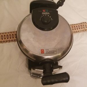 Home Exclusives Waffle Iron